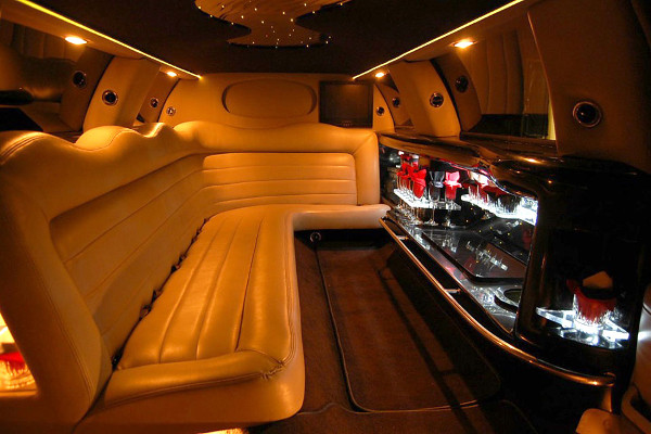 8 Person Lincoln Limo Service Jacksonville